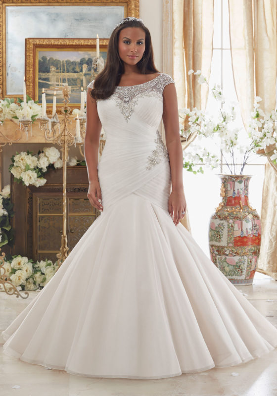A plus size trumpet wedding dress