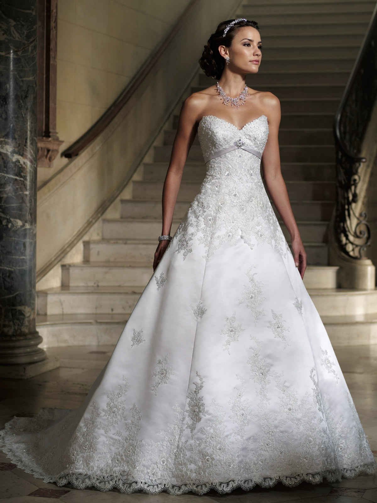 What Are the Best Wedding Dresses for Petite Brides | The Best ...