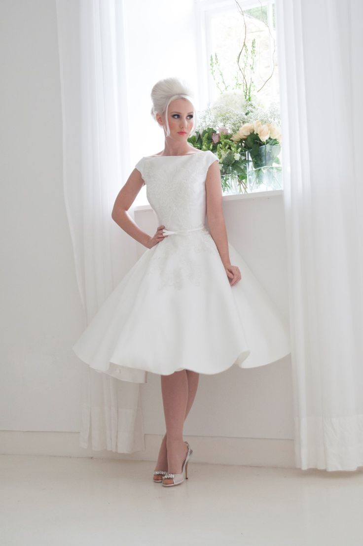 What are the best alternative wedding dresses the best for Good wedding dresses for short brides