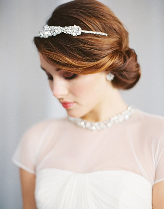 A simple and chic bridal hairstyle