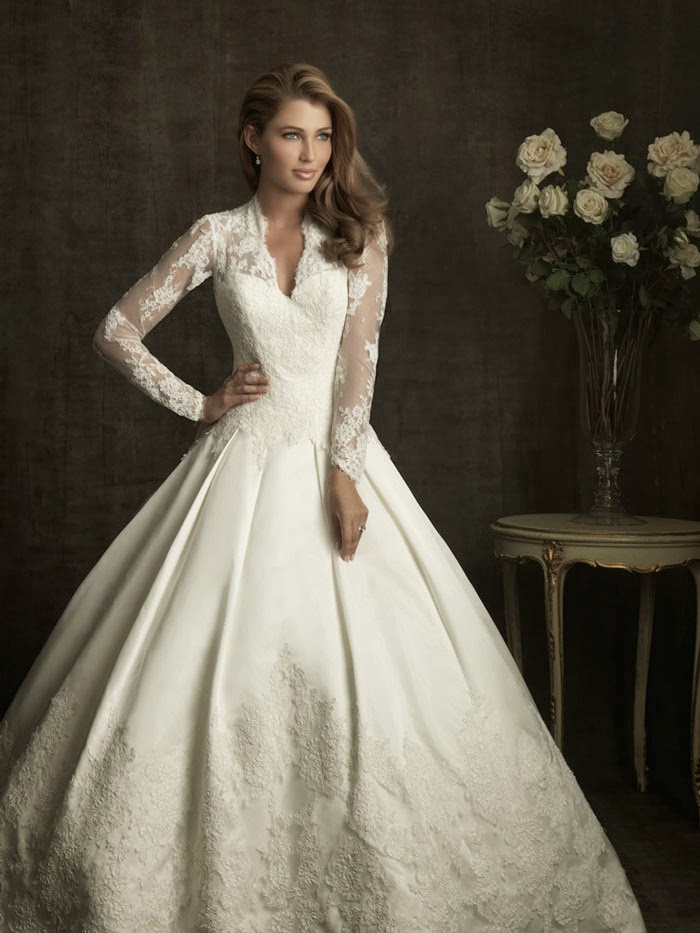 A Long Sleeve Lace Wedding Dress