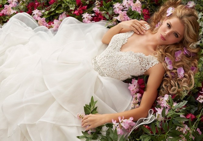 How Much Wedding Dress Rental Is and How to Rent a Wedding Gown of ...