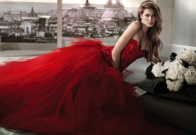 A red wedding gown