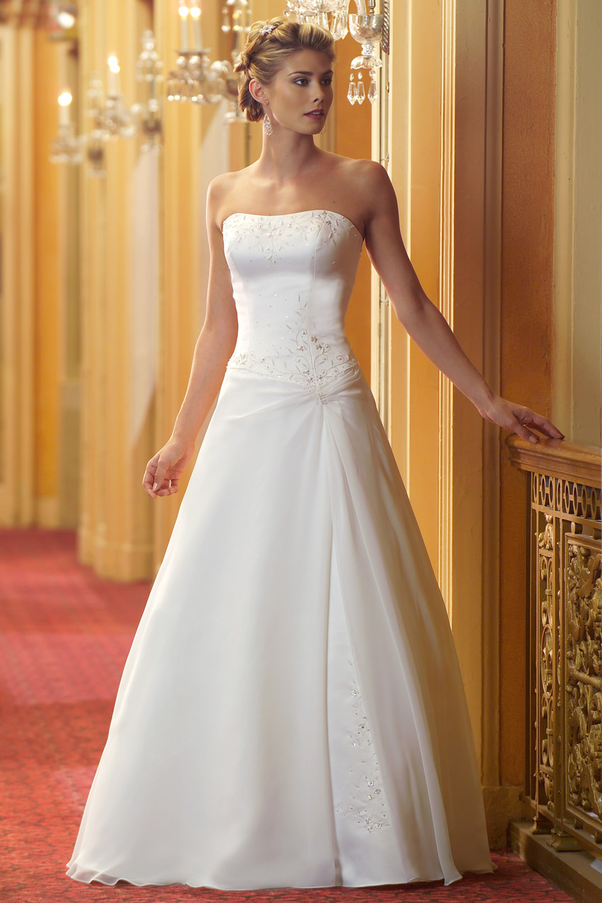 35 inspirational ideas of simple wedding dresses the for Dress up wedding dresses