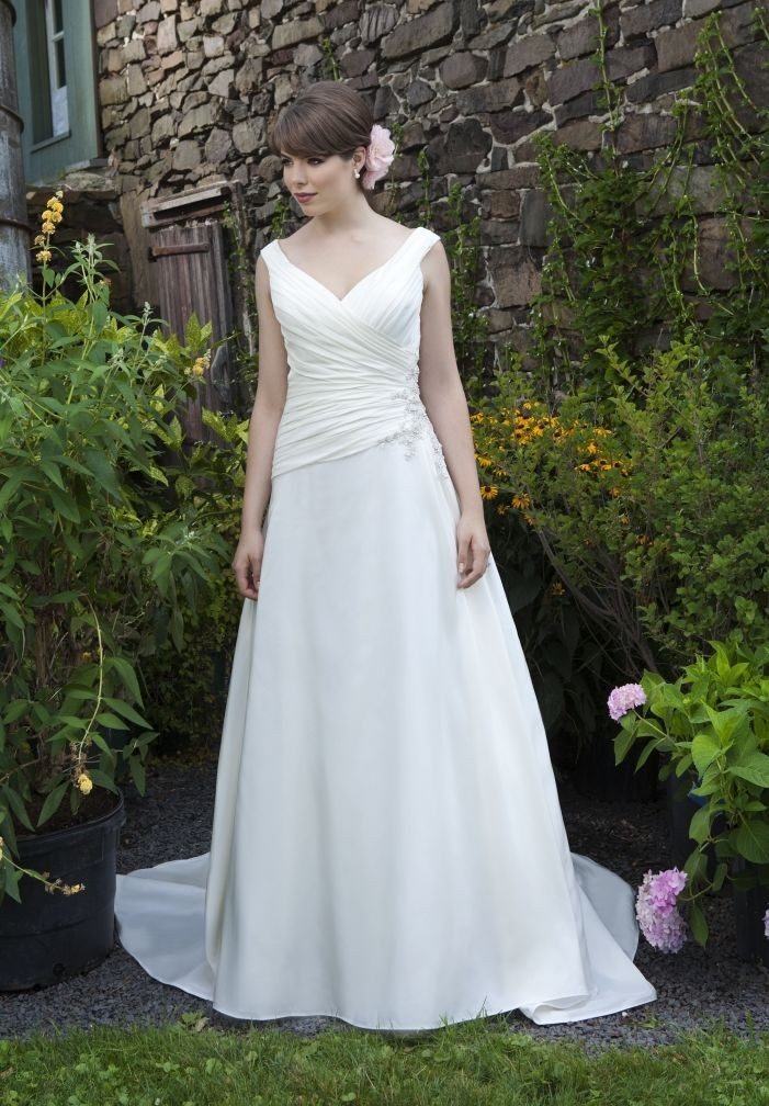 35 inspirational ideas of simple wedding dresses the for Top of the line wedding dresses