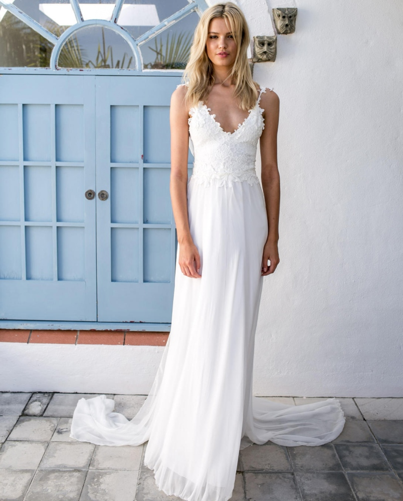 dresses to wear to a beach wedding 31 lace wedding dresses ideas the best 3732
