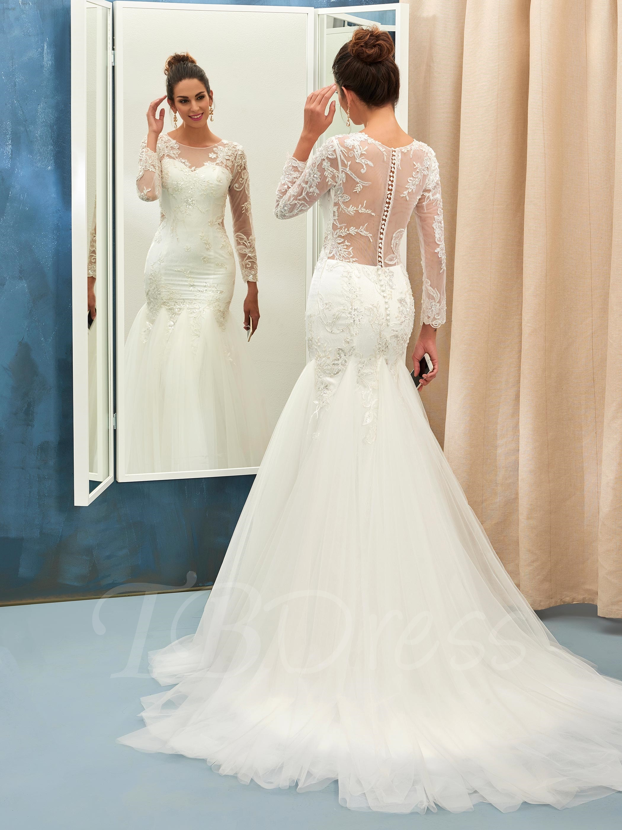 Mermaid wedding gown with lace