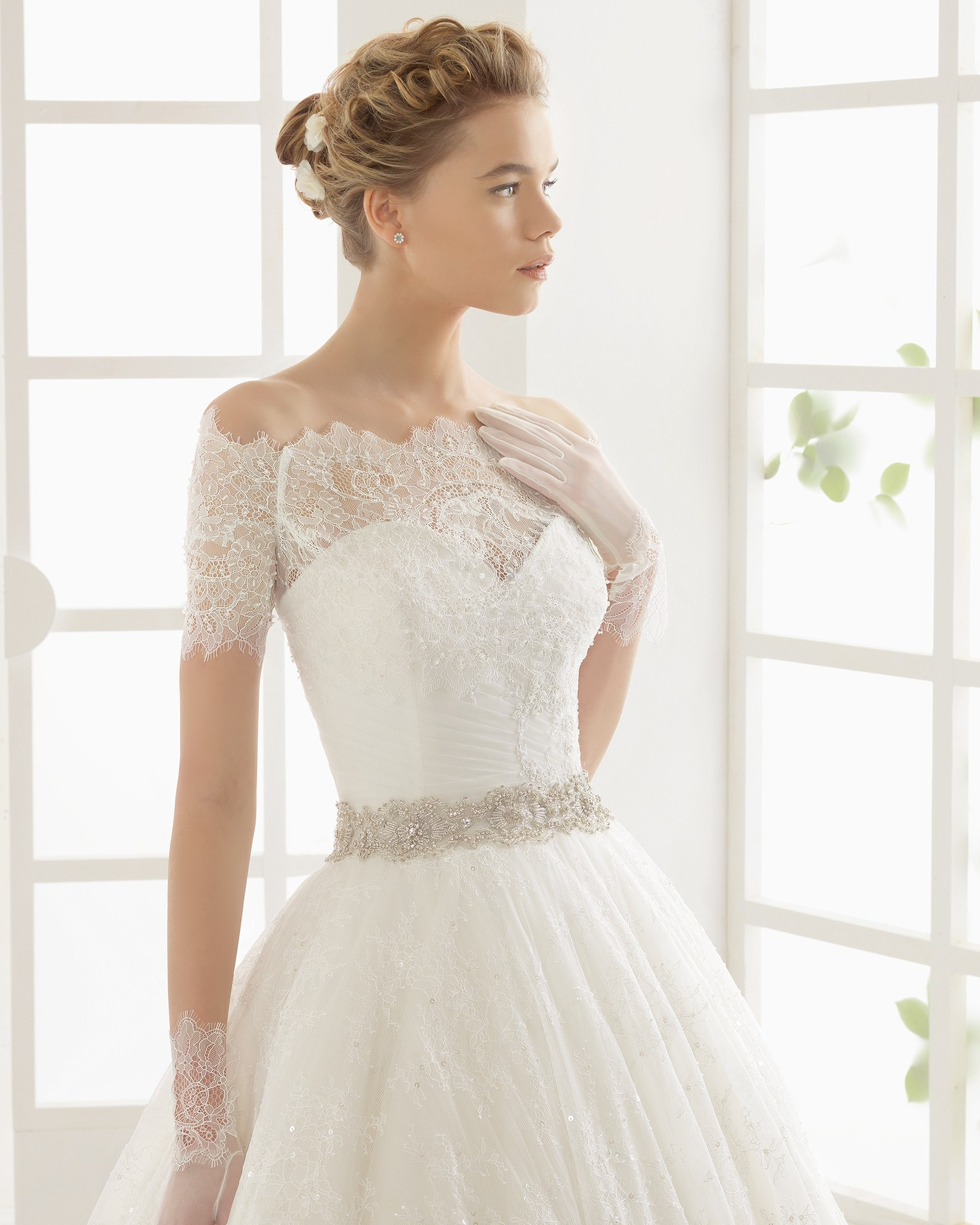 Off shoulder wedding dress with thin lace