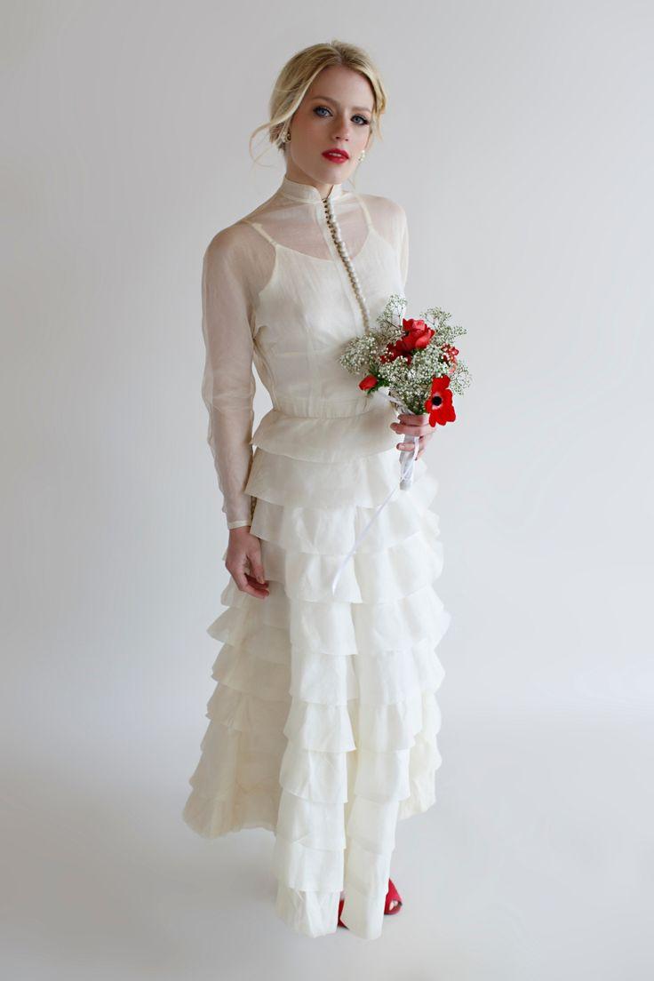 21 unique wedding dresses ideas for brides who don t want for Best vintage wedding dresses