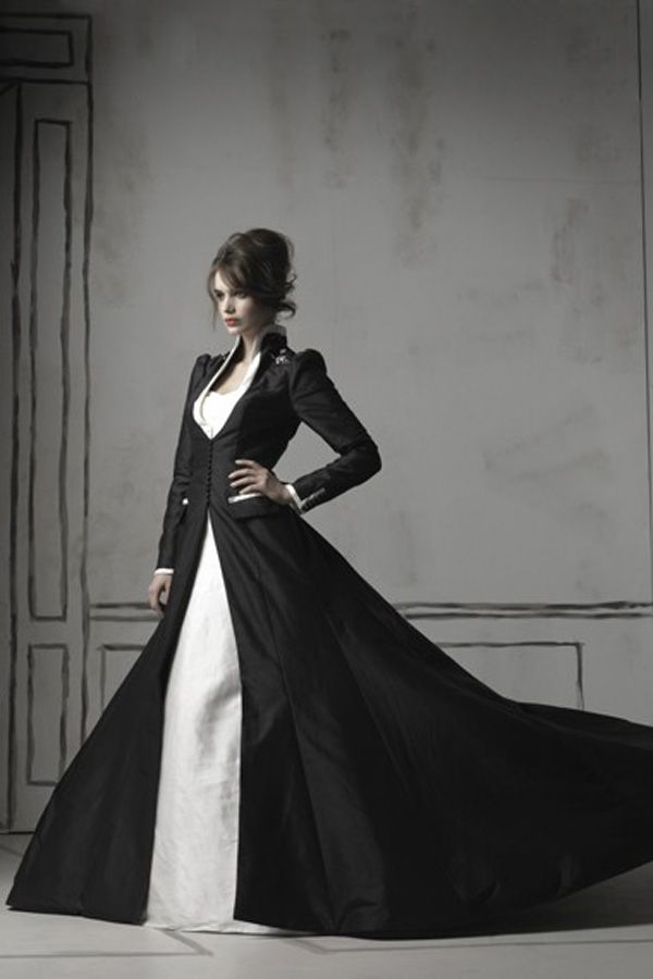 Long-sleeved gothic wedding gown
