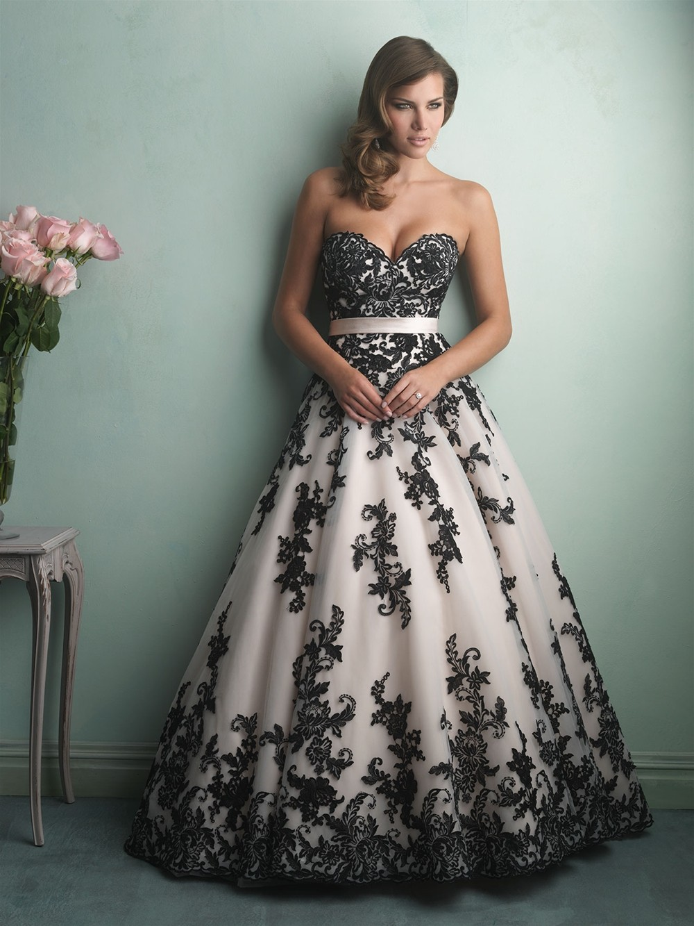 Sweetheart neckline lace black and white wedding dress