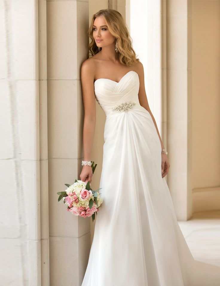 Tips On Choosing Beach Wedding Dresses For Destination