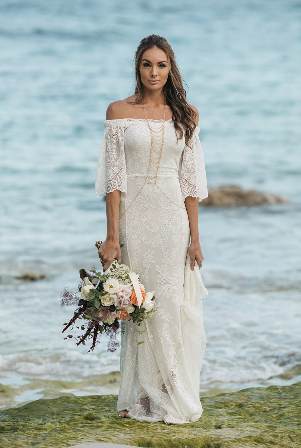 Tips on choosing beach wedding dresses for destination for Best wedding dresses for beach weddings