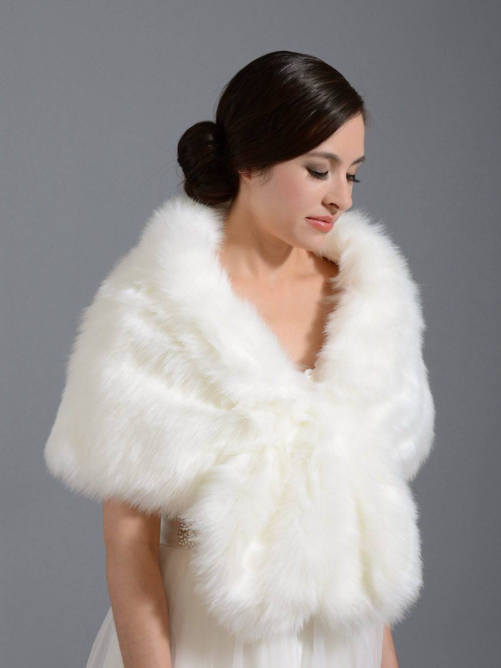 How to choose fall wedding dresses and accessories the for Fur shrug for wedding dress