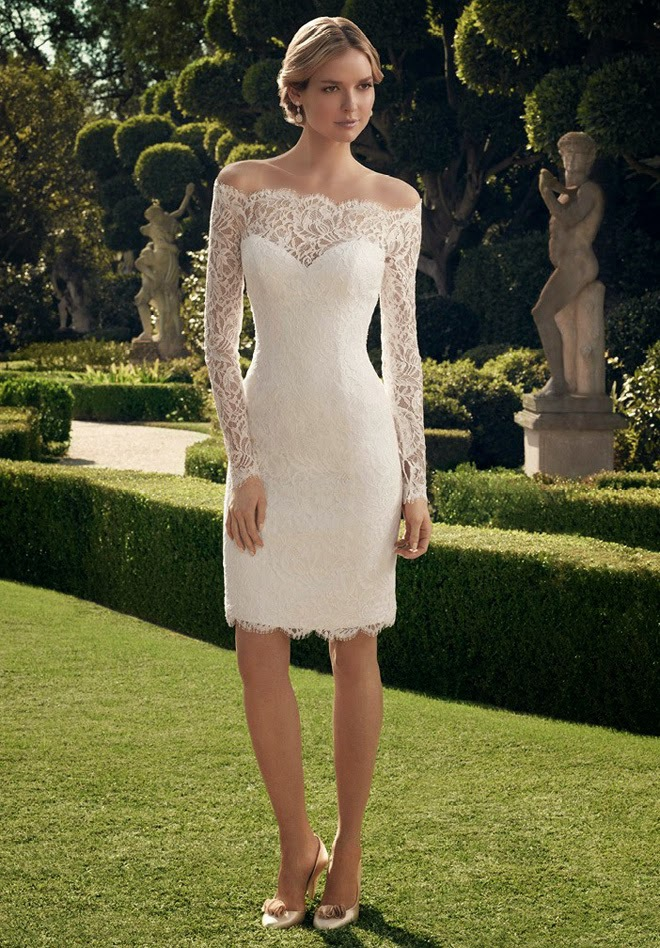 Off-the-shoulder short wedding dress