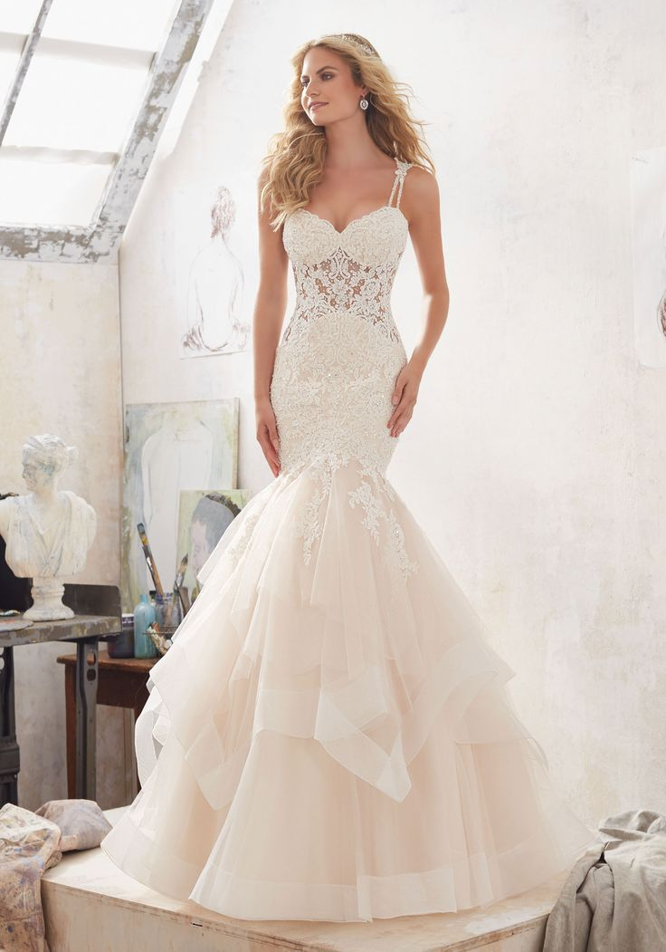 Tulle and lace mermaid wedding dress