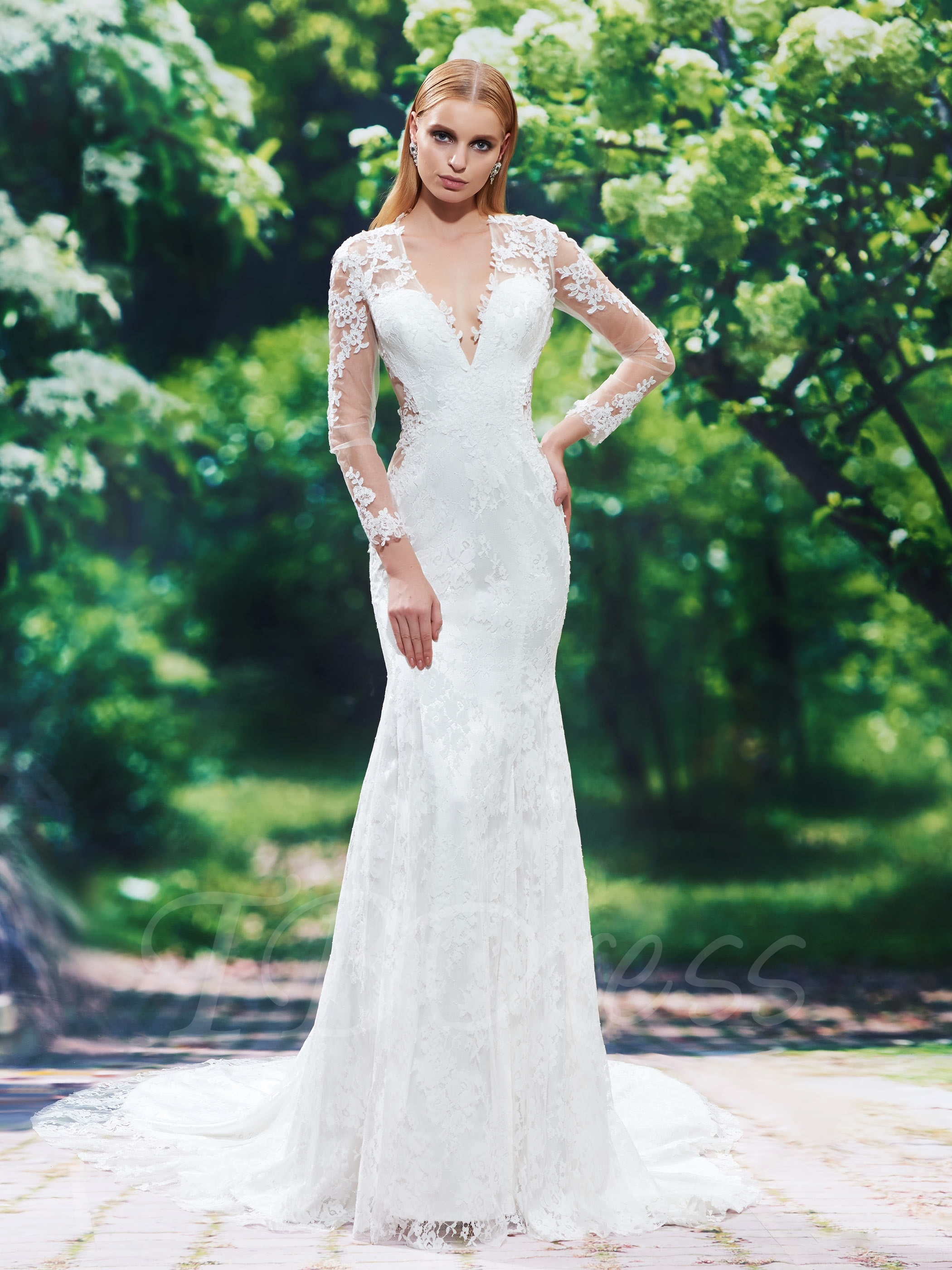V-neck wedding dress with illusion parts