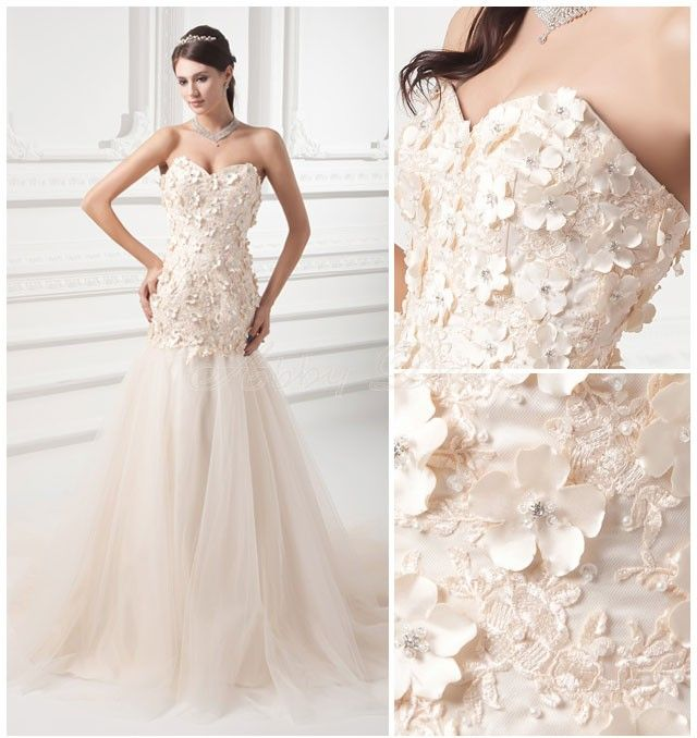 How to embellish simple wedding dresses the best for Wedding dress made of flowers