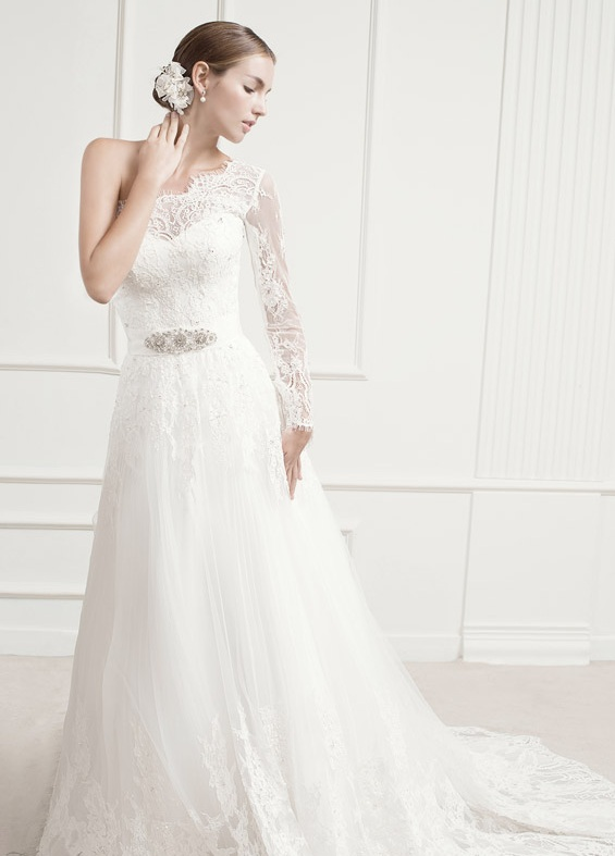One-Shoulder Wedding Dress