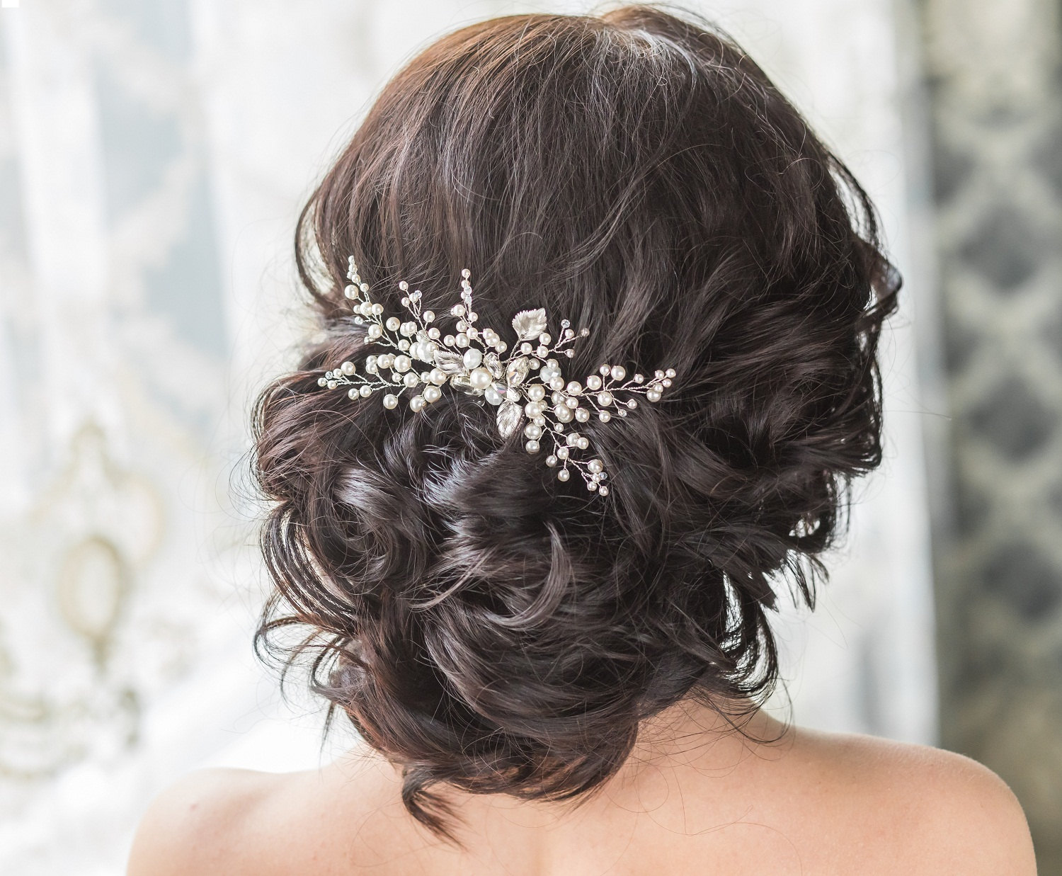 7 Best Ideas Of Wedding Hair Accessories For A Bride