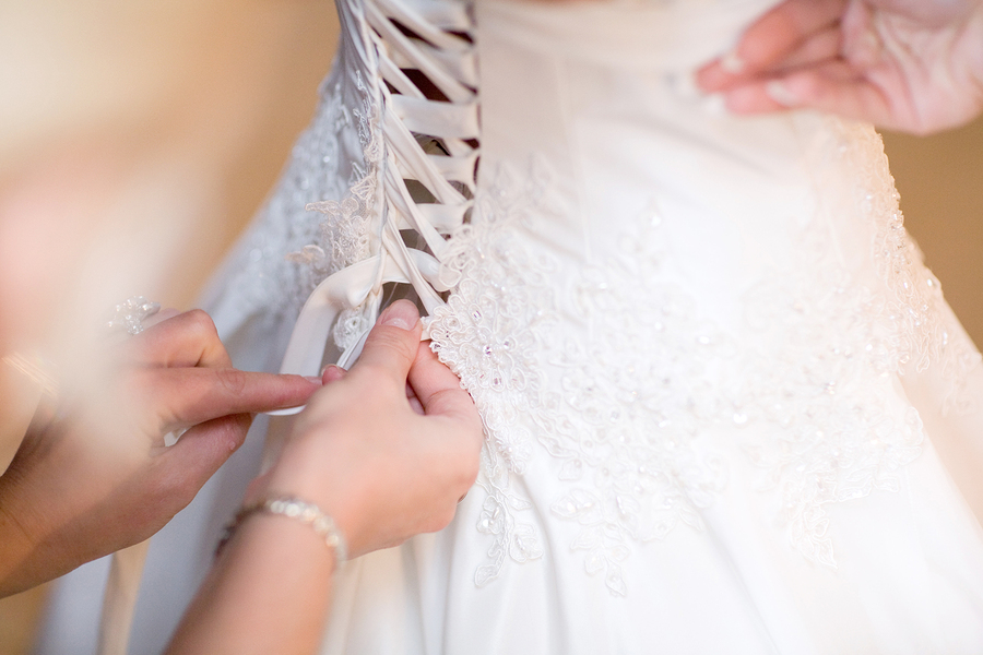 Wedding dress lacing