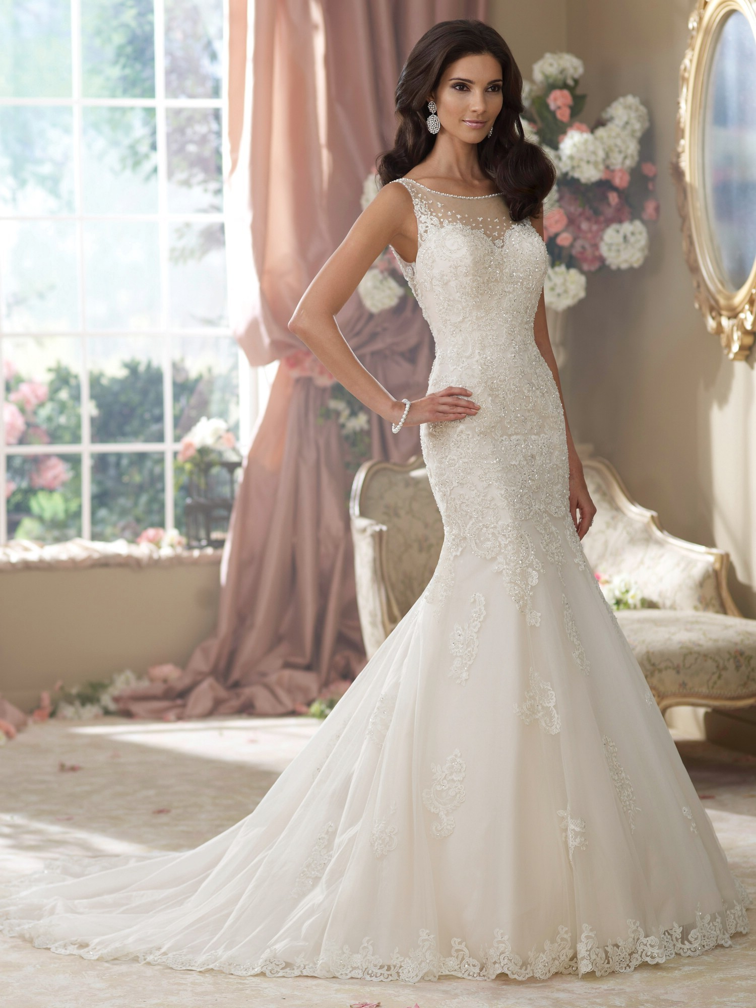 Elegant mermaid wedding dress