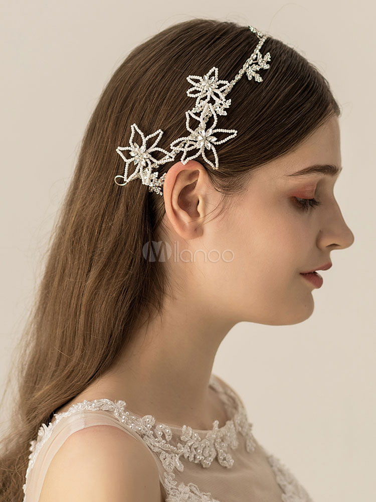 Creative wedding headband with flowers