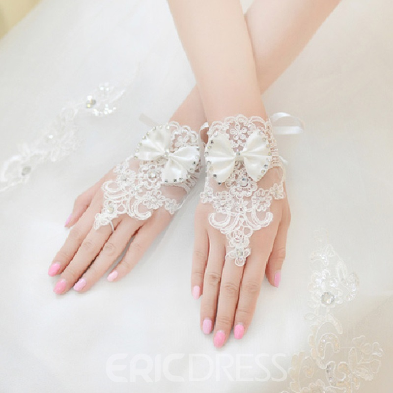 Cute bridal gloves