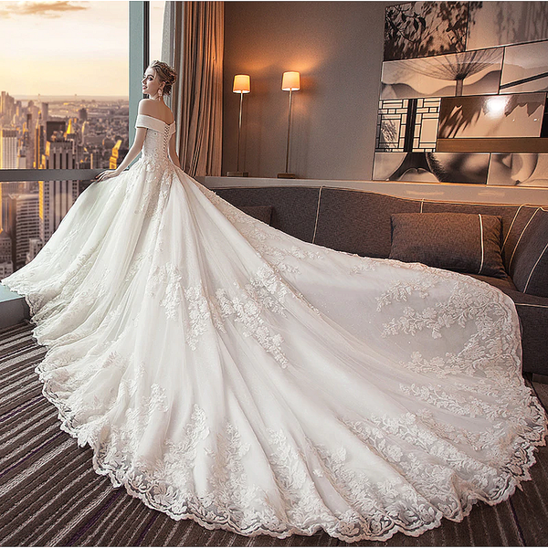 Luxurious wedding gown train