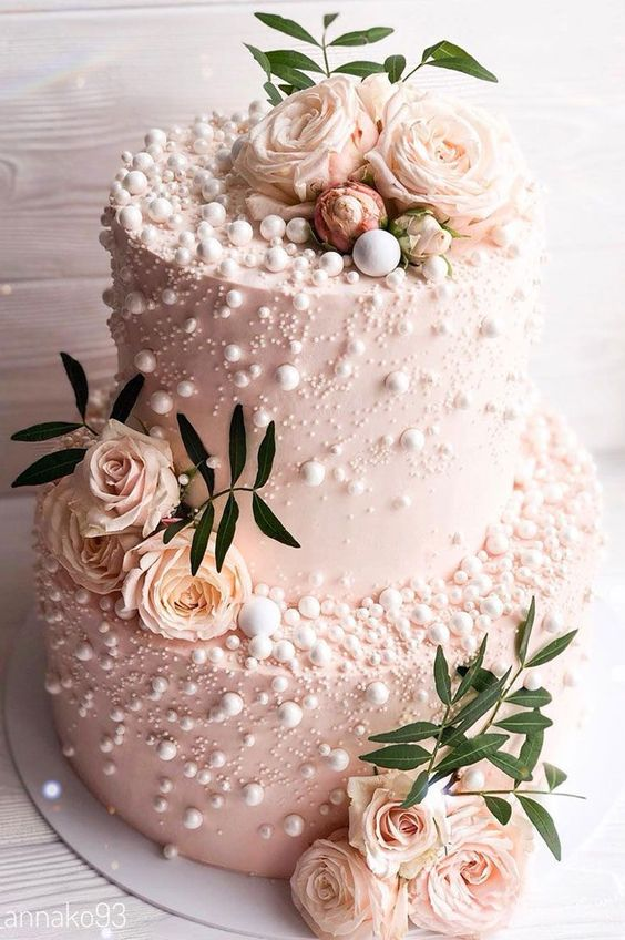 Pearls wedding cake